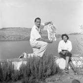Jacques Léonard. Salvador Dalí and Gala. Port Lligat, 1957 © Jacques Leónard